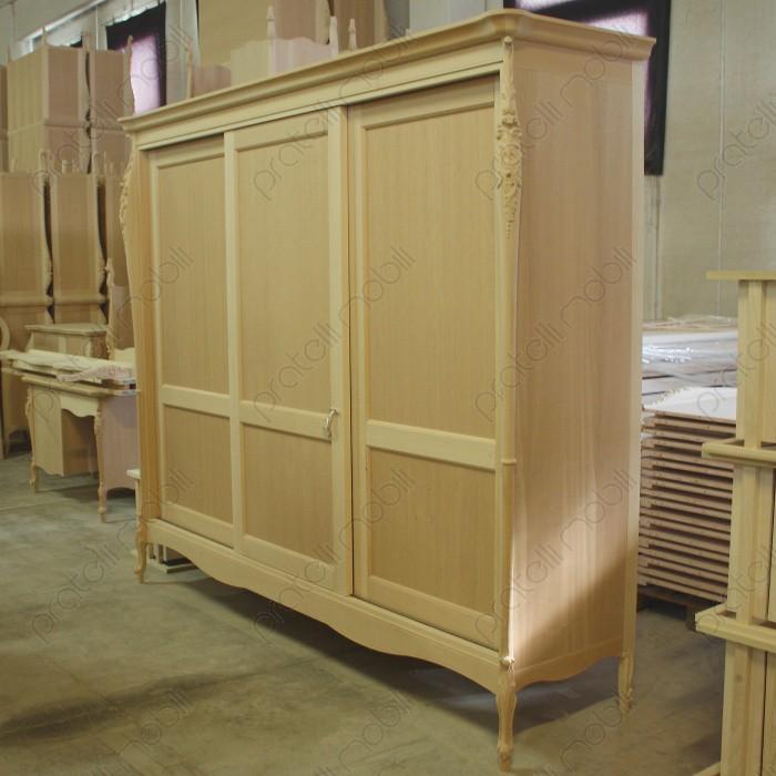 Pratelli mobili come arredare in stile barocco moderno la for Armadio grezzo