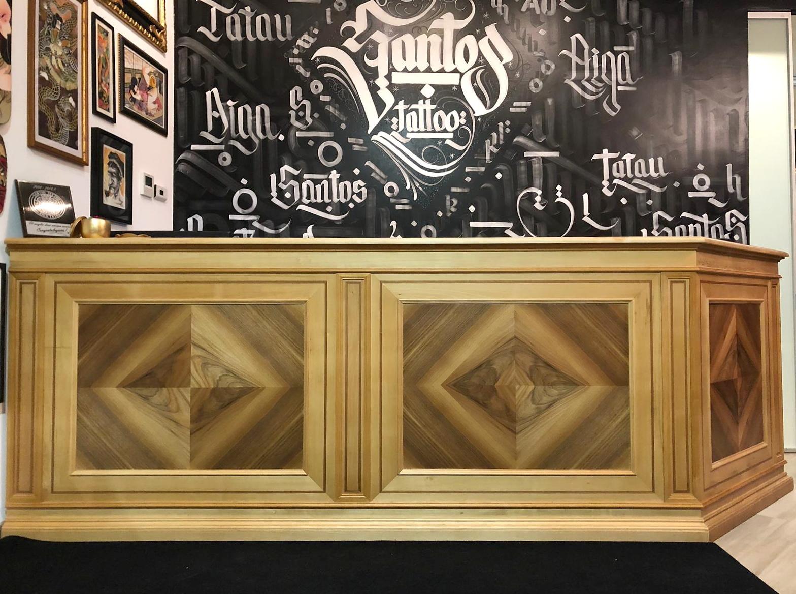 Bancone in legno grezzo : Rivestimenti in legno per negozi perline vendita online